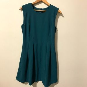 Dynamite emerald green fit and flayer style dress